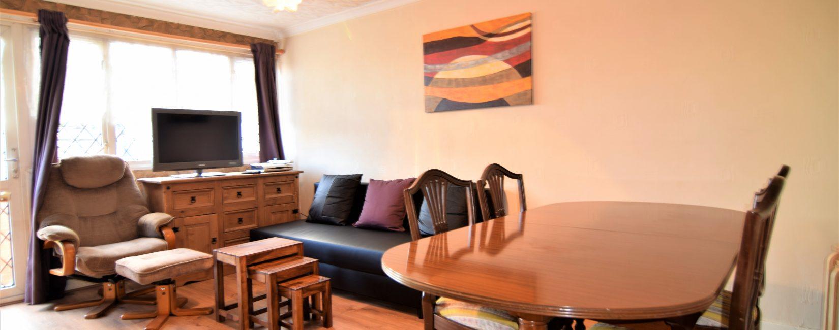 Dinning Room & Bar